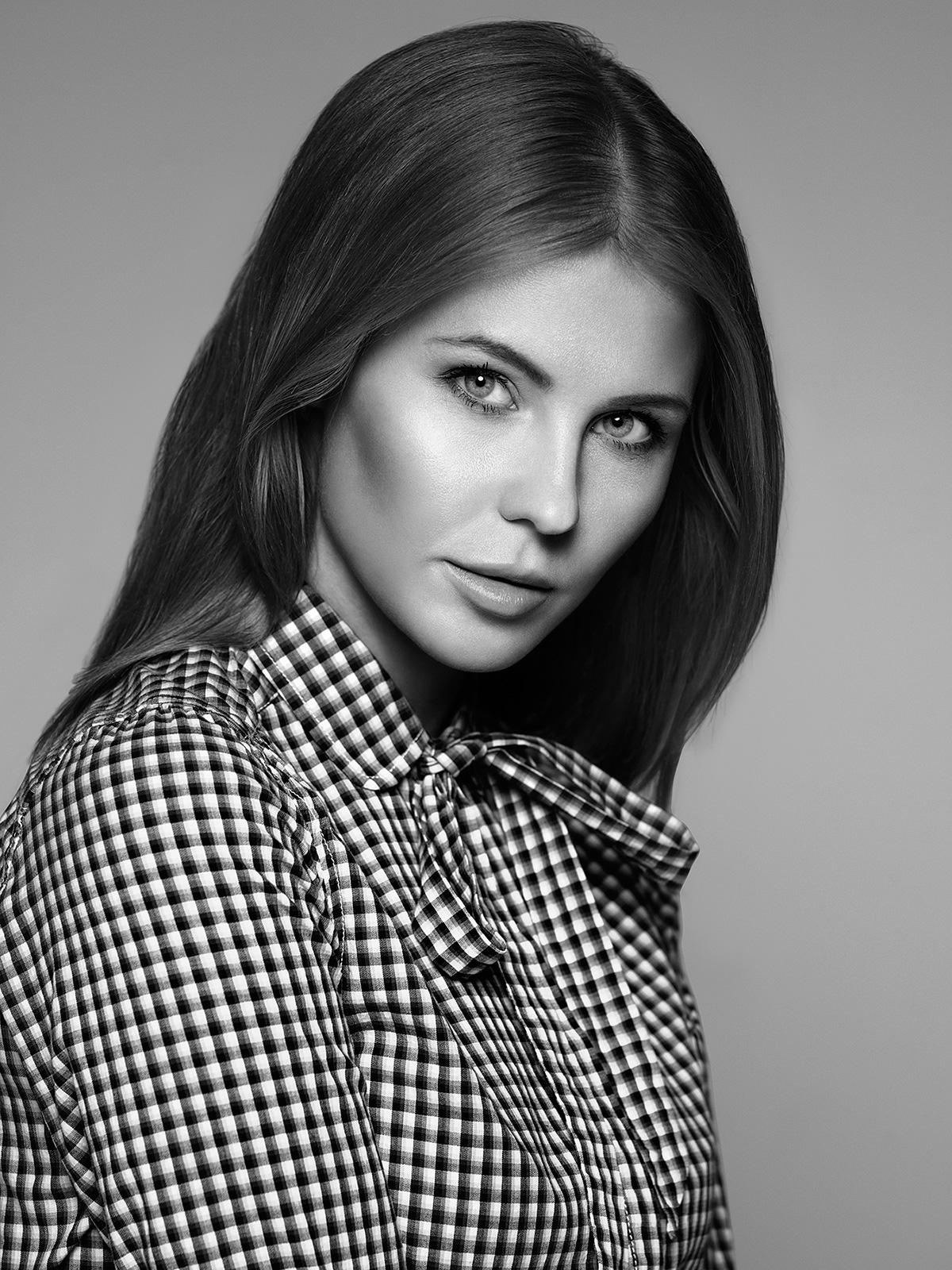 Рекламная портретная съемка в студии для Brandpics, фотограф: Александр Сакулин
