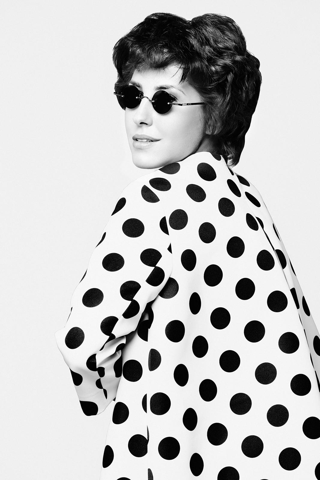 Графичные черно-белые студийные портреты. Анна Русска, фотограф: Александр Сакулин