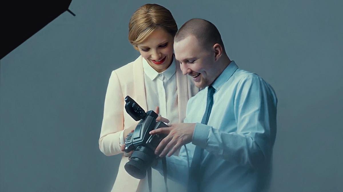 Процесс студийной фотосъемки. Фотограф Александр Сакулин с актрисой Екатериной Вилковой