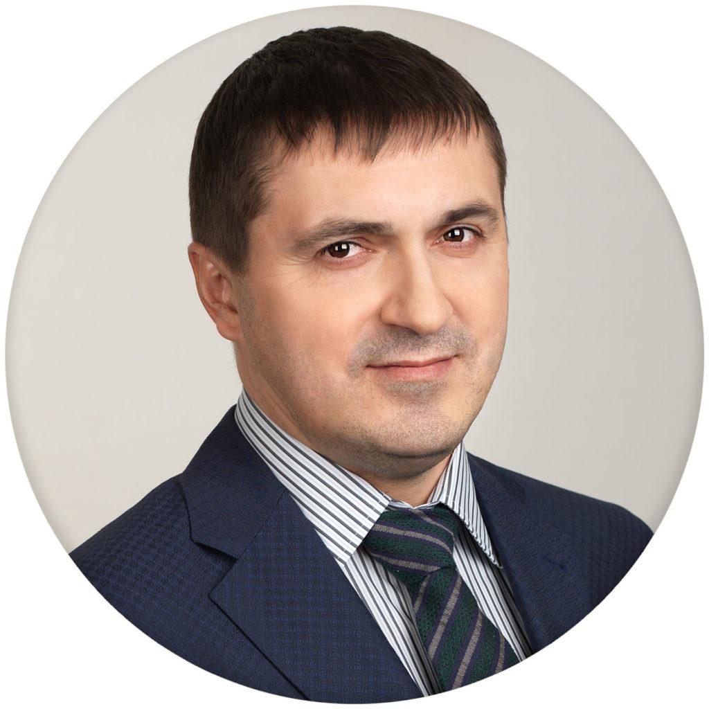 Corporate portrait for medical company. Photographer Alexander Sakulin